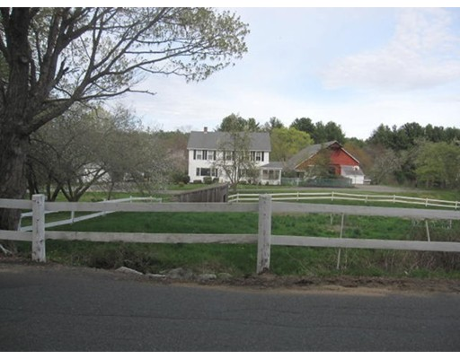 Частный односемейный дом для того Продажа на 45 Greenwich Plns Road Ware, Массачусетс 01082 Соединенные Штаты