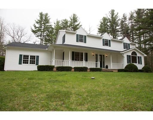 Casa Unifamiliar por un Venta en 211 Boardman Belchertown, Massachusetts 01007 Estados Unidos