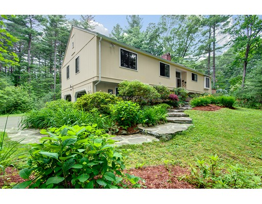 12 Coolidge Rd, Wayland, MA 01778