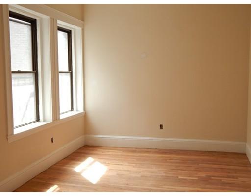 独户住宅 为 出租 在 4 Fountain Place 波士顿, 马萨诸塞州 02113 美国