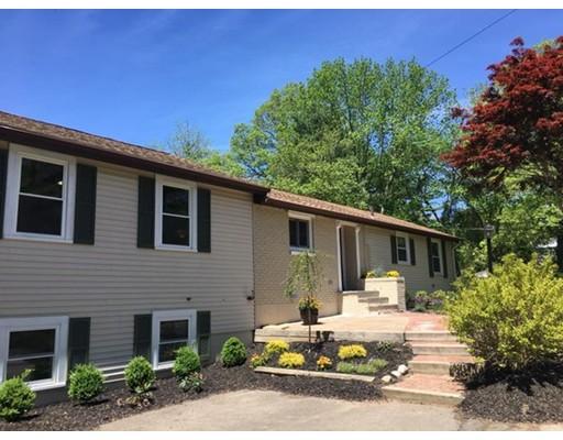 独户住宅 为 销售 在 357 Phillips Street Hanson, 马萨诸塞州 02341 美国