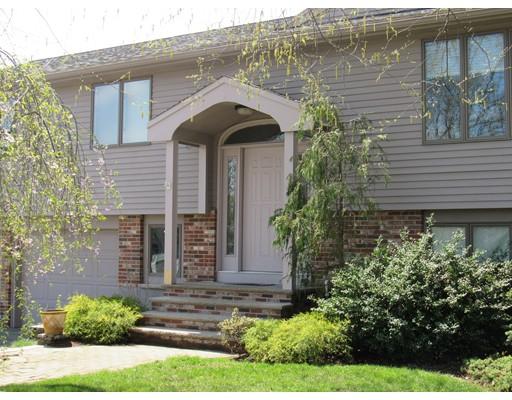 Maison unifamiliale pour l Vente à 4 Penny Lane Peabody, Massachusetts 01960 États-Unis