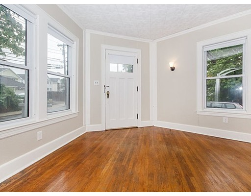 Additional photo for property listing at 239 Cedar Street  Somerville, Massachusetts 02145 United States