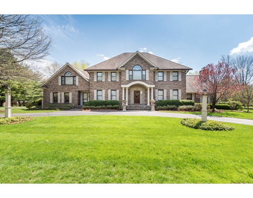 واحد منزل الأسرة للـ Sale في 136 Castlemere Place North Andover, Massachusetts 01845 United States