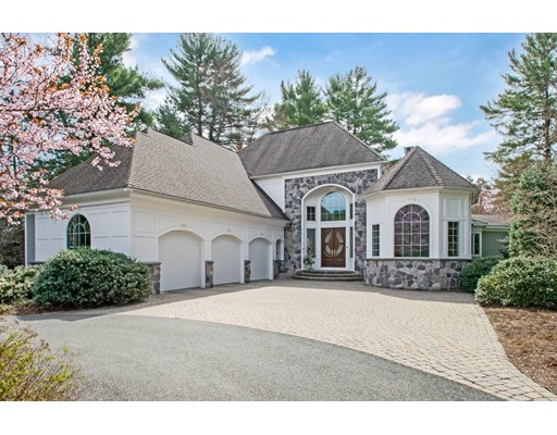 واحد منزل الأسرة للـ Sale في 139 Ashford Road 139 Ashford Road Longmeadow, Massachusetts 01106 United States