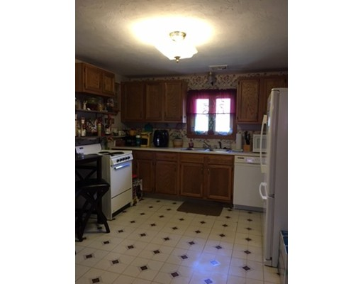 Additional photo for property listing at 9 Greenville  Spencer, Massachusetts 01562 Estados Unidos
