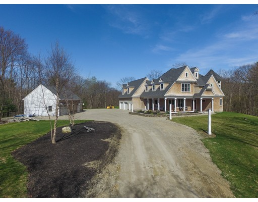 Single Family Home for Sale at 162 Bachelor Street West Newbury, Massachusetts 01985 United States