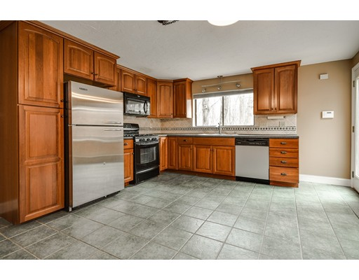 Additional photo for property listing at 20 Treetop Park  Westborough, Massachusetts 01581 United States