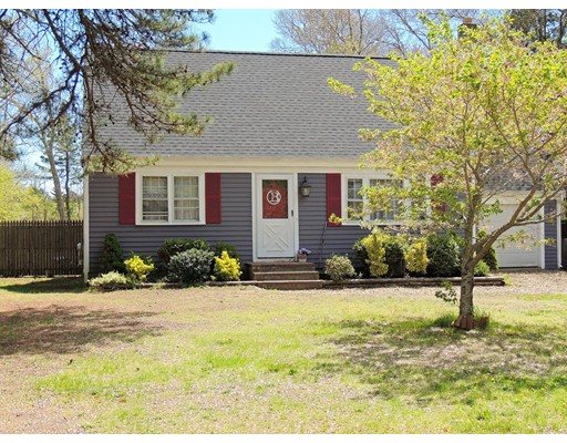 独户住宅 为 销售 在 20 Linwood Avenue Wareham, 马萨诸塞州 02571 美国