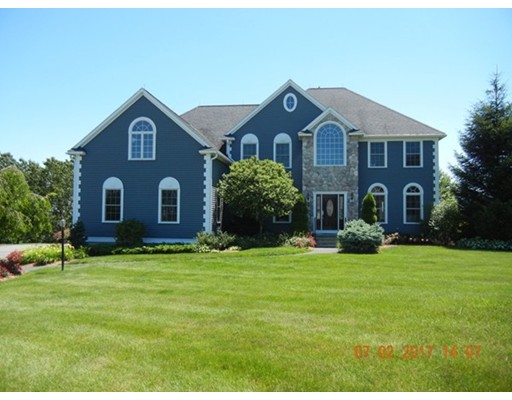 3 Skyline Dr, Tyngsborough, MA 01879