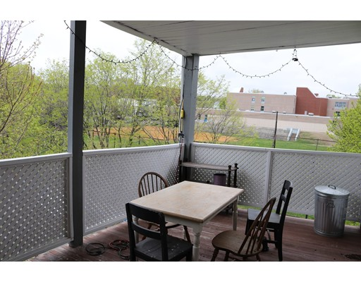 Casa Unifamiliar por un Alquiler en 75 Carolina Avenue Boston, Massachusetts 02130 Estados Unidos