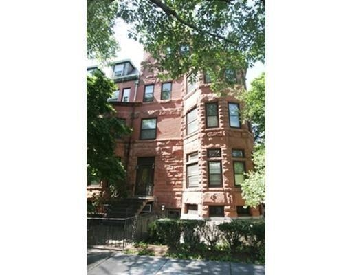Casa Unifamiliar por un Alquiler en 1774 Beacon Street Brookline, Massachusetts 02445 Estados Unidos
