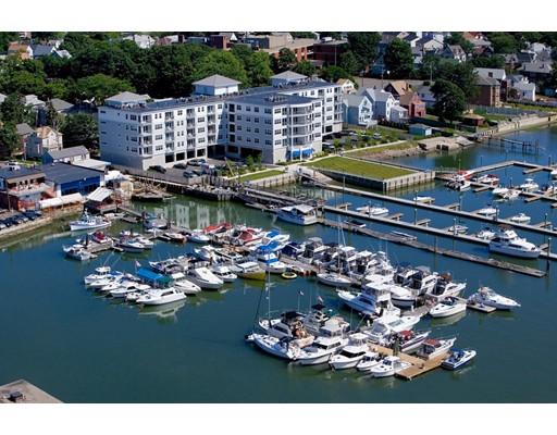 Condominio por un Venta en 550 Pleasant Street Winthrop, Massachusetts 02152 Estados Unidos