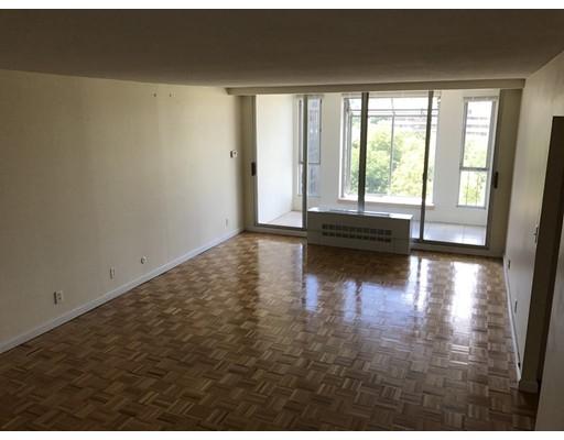 Casa Unifamiliar por un Alquiler en 33 Pond Avenue Brookline, Massachusetts 02445 Estados Unidos