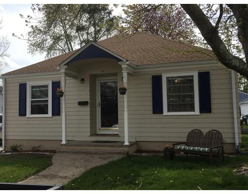 Casa Unifamiliar por un Venta en 34 Bloodgood Street Pawtucket, Rhode Island 02861 Estados Unidos
