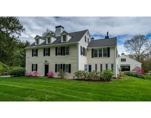 Casa Unifamiliar por un Venta en 120 Walpole Street Dover, Massachusetts 02030 Estados Unidos
