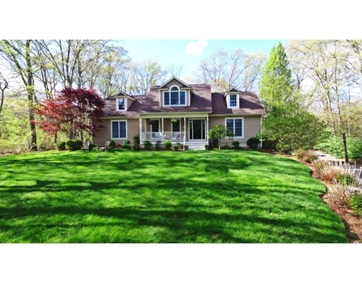 Single Family Home for Sale at 270 Woodward Avenue Seekonk, Massachusetts 02771 United States