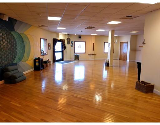 Commercial for Rent at 326 Chelsea Street 326 Chelsea Street Everett, Massachusetts 02149 United States