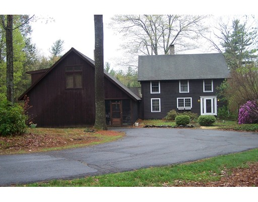 Maison unifamiliale pour l Vente à 137 Alexander Hill Road 137 Alexander Hill Road Northfield, Massachusetts 01360 États-Unis