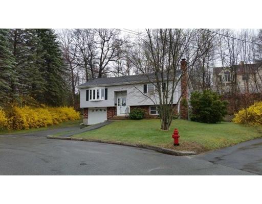 Casa Unifamiliar por un Venta en 170 Star Avenue Woonsocket, Rhode Island 02895 Estados Unidos