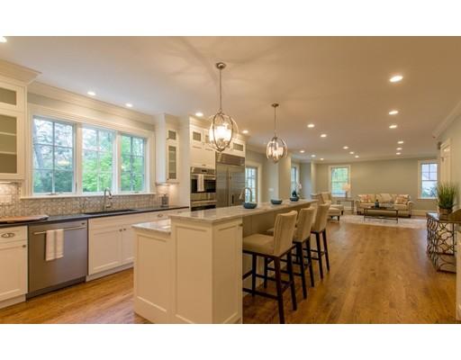 独户住宅 为 销售 在 15 Palmer Road 15 Palmer Road 牛顿, 马萨诸塞州 02468 美国