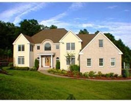 Частный односемейный дом для того Продажа на 11 Arrowhead Lane Westborough, Массачусетс 01581 Соединенные Штаты