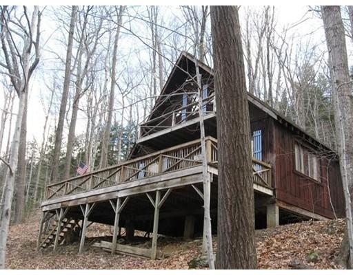 واحد منزل الأسرة للـ Sale في 332 Buckland Road 332 Buckland Road Ashfield, Massachusetts 01330 United States