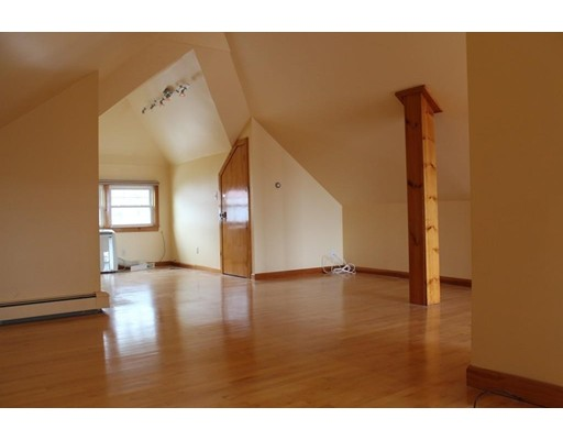 Additional photo for property listing at 204 Presidents Lane  Quincy, Massachusetts 02169 Estados Unidos