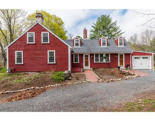 独户住宅 为 销售 在 274 King Street Hanson, 马萨诸塞州 02341 美国