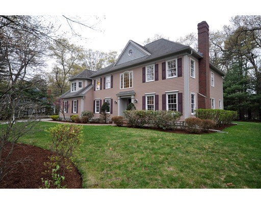 Maison unifamiliale pour l Vente à 18 Sweeney Ridge Road Bedford, Massachusetts 01730 États-Unis