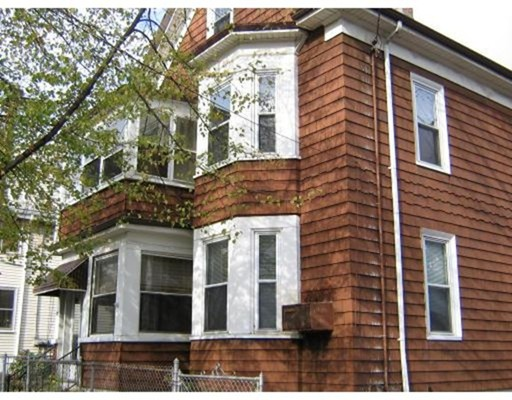 Additional photo for property listing at 27 Everett Avenue  Somerville, Massachusetts 02145 Estados Unidos