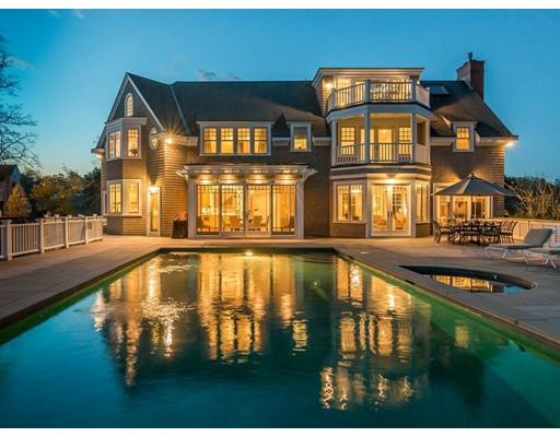 Maison unifamiliale pour l Vente à 143 West Street Beverly, Massachusetts 01915 États-Unis