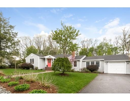独户住宅 为 销售 在 19 Thomas Road 林菲尔德, 马萨诸塞州 01940 美国