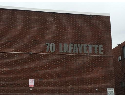 Casa Unifamiliar por un Alquiler en 70 Lafayette Avenue Chelsea, Massachusetts 02150 Estados Unidos
