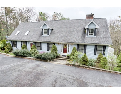 Single Family Home for Sale at 188 Bumstead Road Monson, Massachusetts 01057 United States