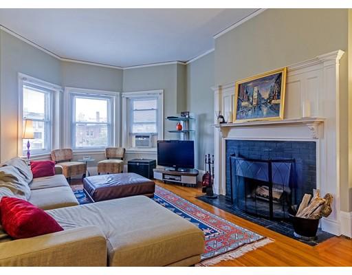 Casa Unifamiliar por un Alquiler en 1683 Beacon Brookline, Massachusetts 02445 Estados Unidos