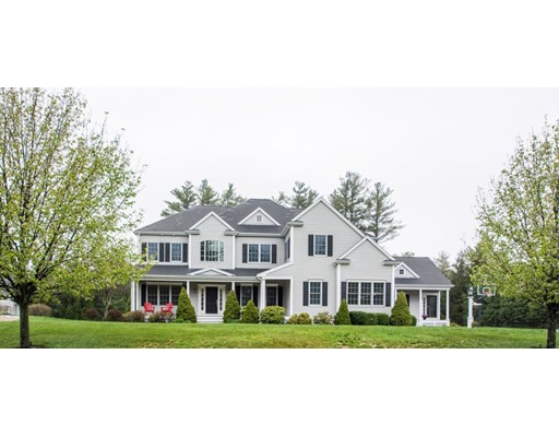 Single Family Home for Sale at 80 Mill Brook Avenue 80 Mill Brook Avenue Walpole, Massachusetts 02081 United States