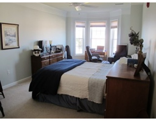 Single Family Home for Rent at 170 Clocktower Waltham, Massachusetts 02452 United States