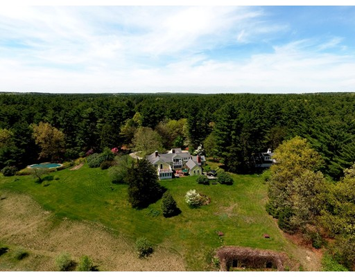 Single Family Home for Sale at 528 Maple Street Carlisle, Massachusetts 01741 United States