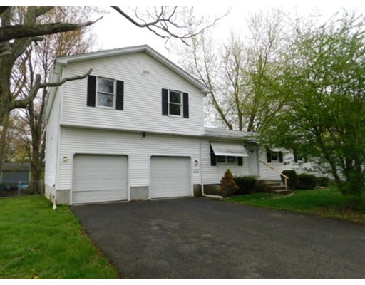Single Family Home for Sale at 34 Knollwood Circle Holyoke, Massachusetts 01040 United States