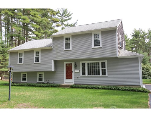 Casa Unifamiliar por un Venta en 29 S Meadow Road Carver, Massachusetts 02330 Estados Unidos