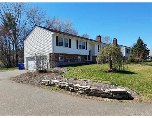 Single Family Home for Sale at 16 Shannon Drive Enfield, Connecticut 06082 United States