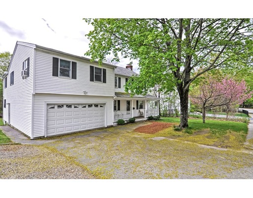 Single Family Home for Sale at 128 Bacon Street Natick, Massachusetts 01760 United States