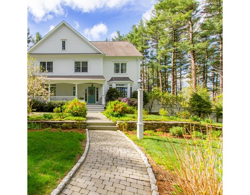 Single Family Home for Sale at 250 South Street. Medfield, Massachusetts 02052 United States