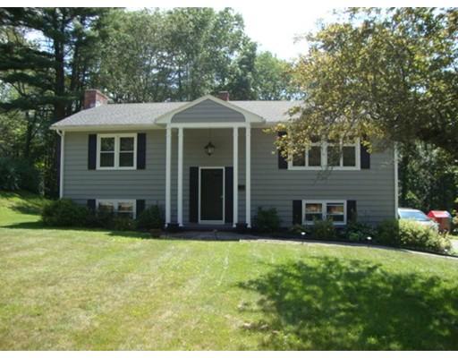 独户住宅 为 销售 在 203 Brentwood Drive Southbridge, 马萨诸塞州 01550 美国