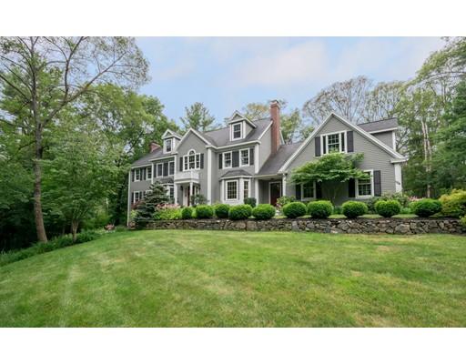 واحد منزل الأسرة للـ Sale في 104 North Street Topsfield, Massachusetts 01983 United States