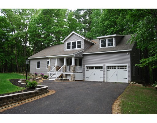 Single Family Home for Sale at 253 Hall Street Dunstable, Massachusetts 01827 United States