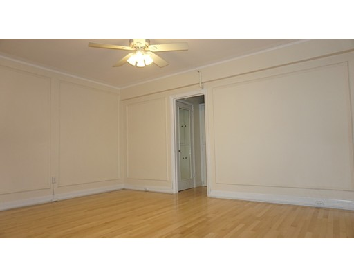 Additional photo for property listing at 1450 Beacon Street  Brookline, Massachusetts 02446 United States
