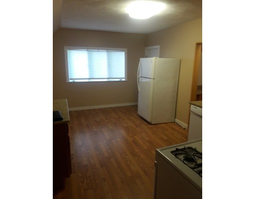 Additional photo for property listing at 20 Birch  Everett, Massachusetts 02149 United States