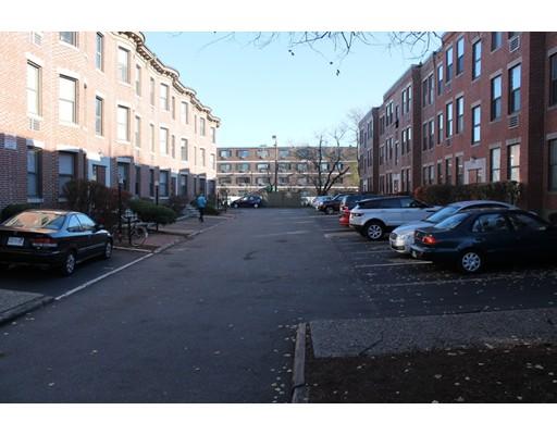 独户住宅 为 出租 在 2 Cypress Road 波士顿, 马萨诸塞州 02135 美国